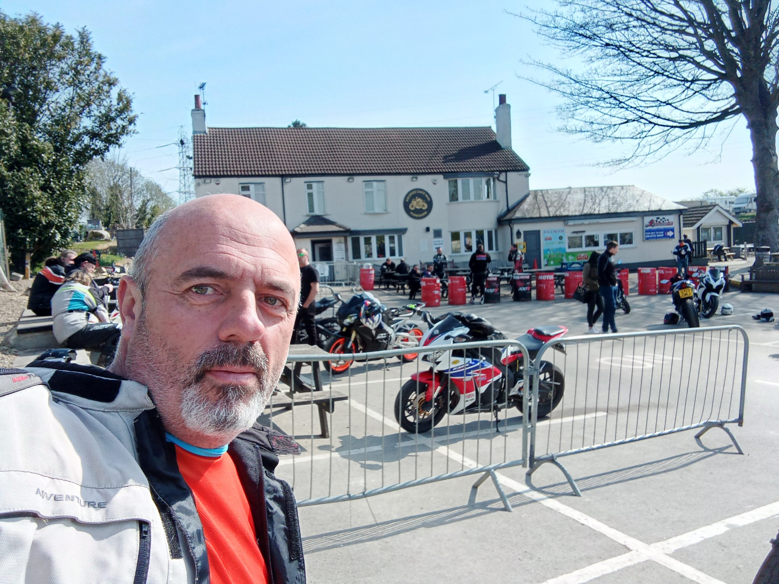 Read more about the article Meet me at Squires biker cafe today
